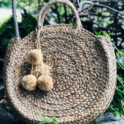 Соломенные помпоны для сумок