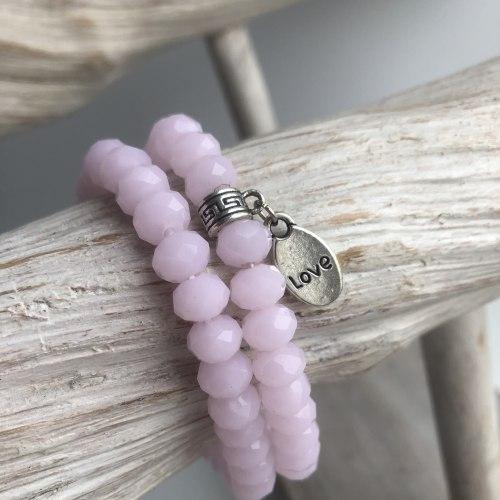 Браслет из кристаллов светло-розовый с подвеской LOVE