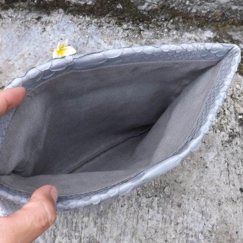 Клатч из натуральной кожи питона светло-серый размер S