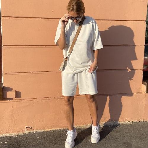 Спортивный костюм с шортами молочно-белый HEDONIST