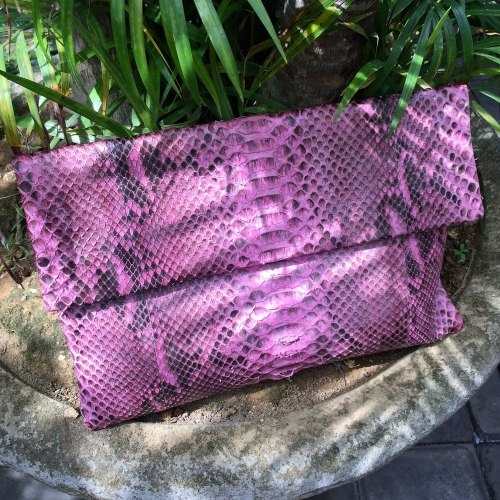 Клатч из натуральной кожи питона розовый размер XL