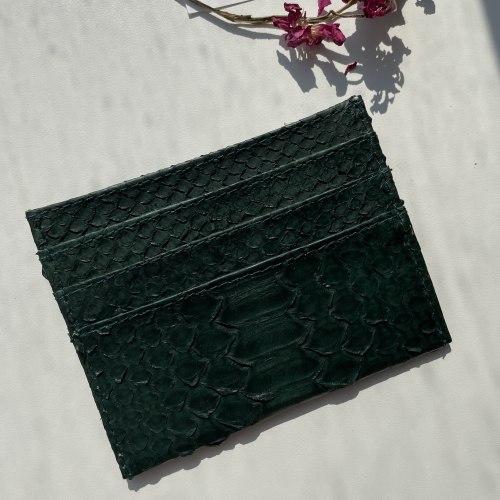 Визитница из натуральной кожи питона темно-зеленая