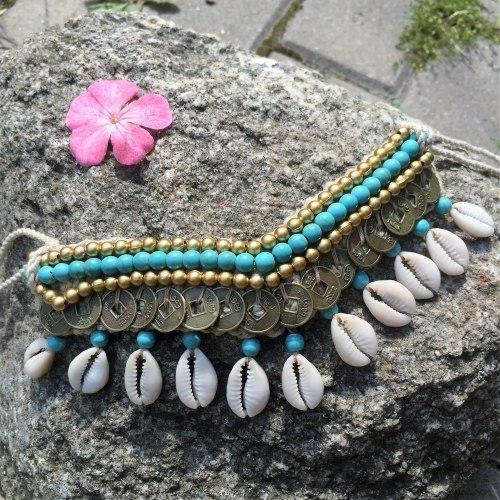 Ожерелье с ракушками и монетками бирюзовое