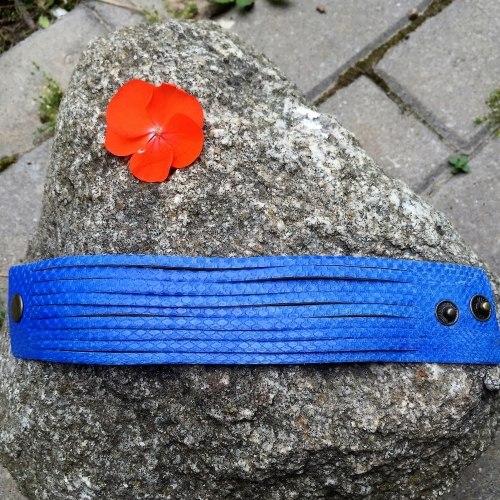 Браслет из натуральной кожи змеи синий