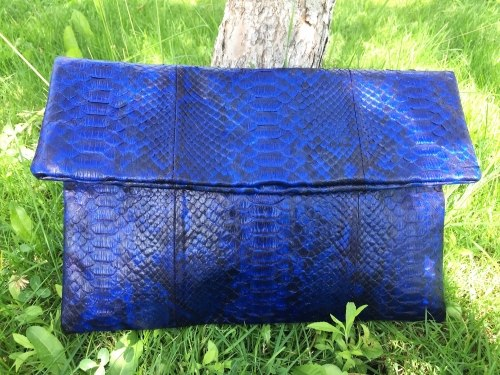 Клатч из натуральной кожи питона синий с рисунком размер XL