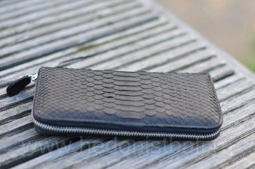 Кошелек из натуральной кожи питона черный размер М
