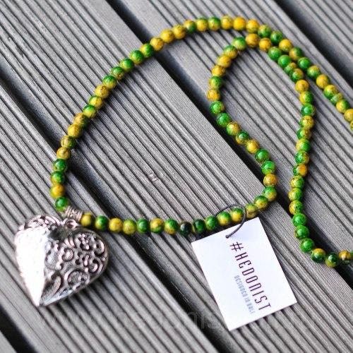 Бусы с сердцем желто-зеленые