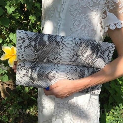 Клатч из натуральной кожи питона размер XL натуральный цвет без покраски