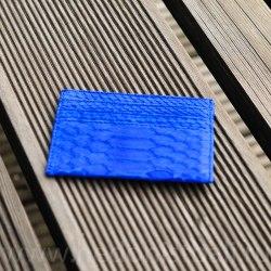 Визитница из натуральной кожи питона ярко-синяя