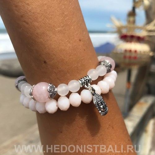 Браслет из натурального белого агата и розового кварца с подвеской Будда