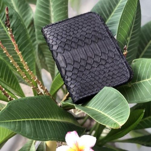Обложка на паспорт из натуральной кожи питона черная