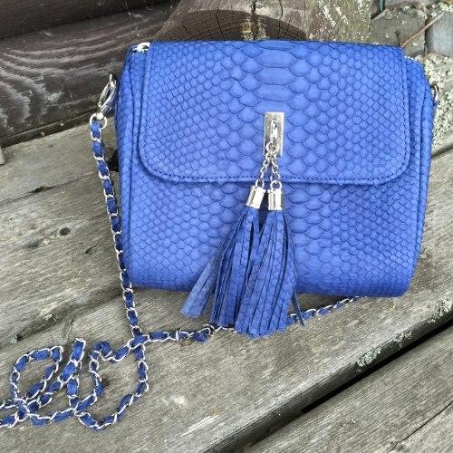 Cумка crossbody с кисточками из натуральной кожи питона синяя
