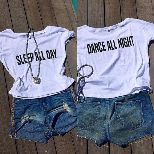 Футболка из органического хлопка с принтом SLEEP ALL DAY/DANCE ALL NIGHT белая размер S