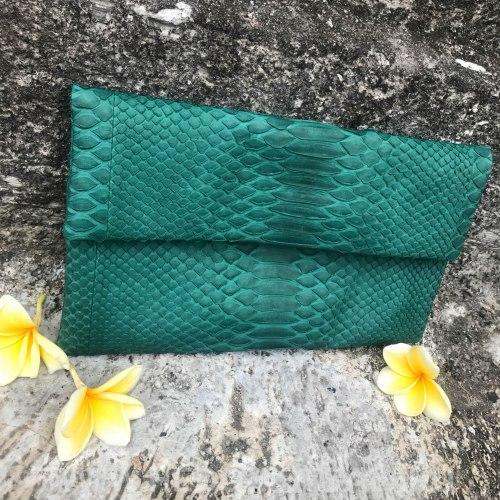 Клатч из натуральной кожи питона размер S темно-зеленый