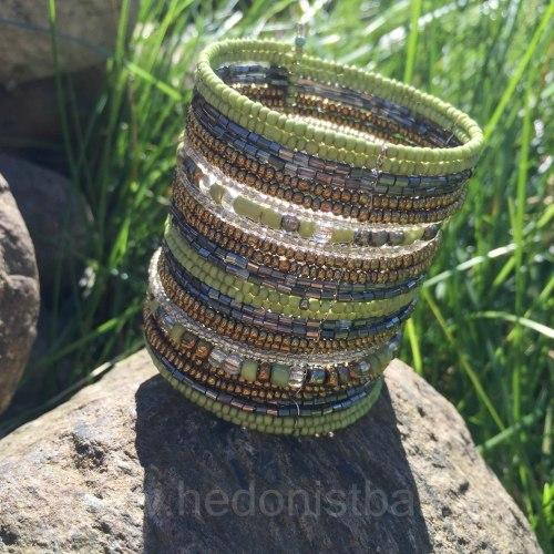 Браслет из бисера широкий светло-зеленый с золотым