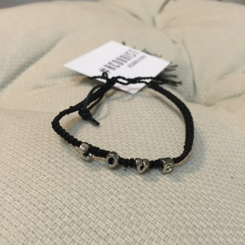 Браслет плетеный с надписью LOVE черный