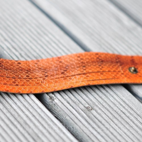 Браслет из натуральной кожи змеи рыжий