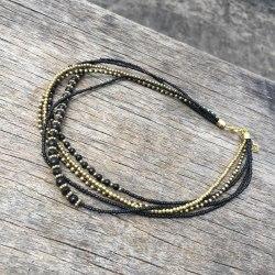 Ожерелье из бисера черное с золотым