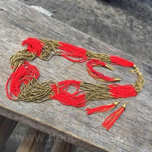 Бусы из бисера длинные ярко-красные с золотым