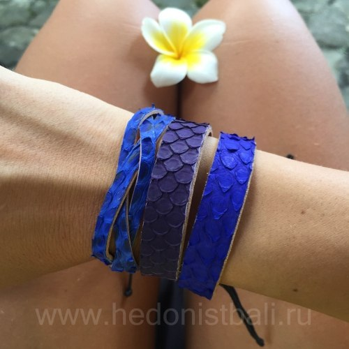 Браслет-косичка из натуральной кожи питона ярко-синий