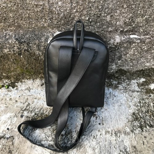 Рюкзак из натуральной кожи питона SIMONE черный с ярко-синим