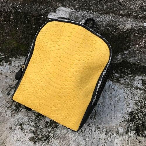 Рюкзак из натуральной кожи питона SIMONE черный с желтым