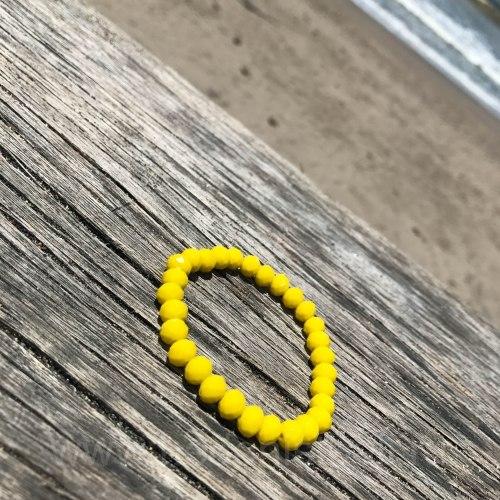 Браслет из хрустальных бусин ярко-желтый 8 мм