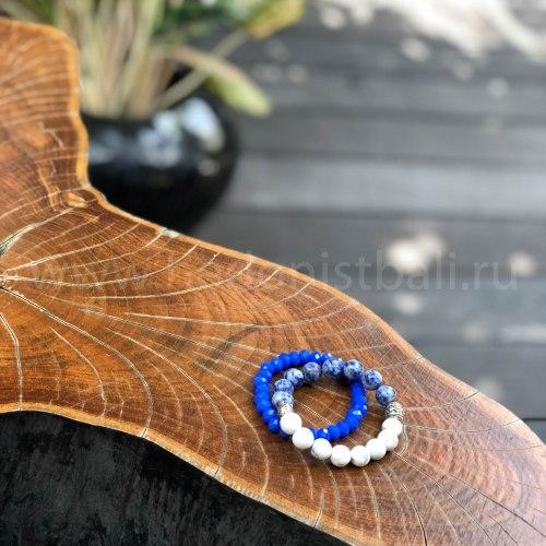 Браслет из хрустальных бусин ярко-синий