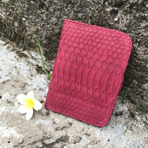 Обложка на паспорт из натуральной кожи питона марсала
