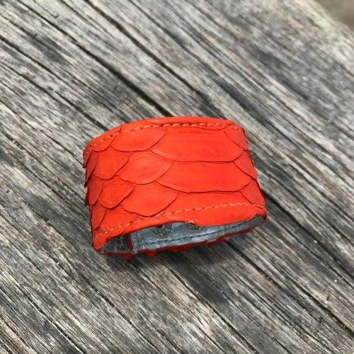 Браслет из натуральной кожи питона на кнопках оранжевый