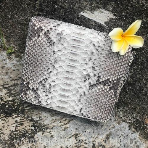 Сумка crossbody из натуральной кожи питона TASSEL SQAURE без покраски