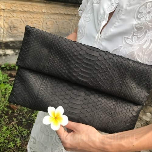Клатч из натуральной кожи питона черный размер М