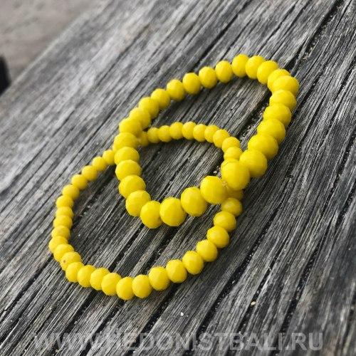 Браслет из хрустальных бусин ярко-желтый 6 мм