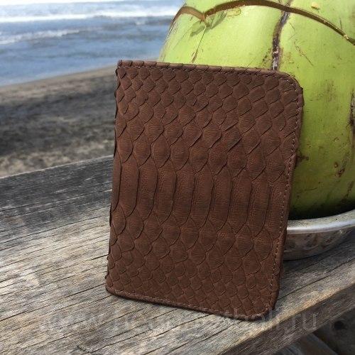 Обложка на паспорт из натуральной кожи питона коричневая