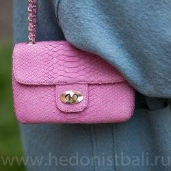 Сумка crossbody из натуральной кожи питона MINI розовая