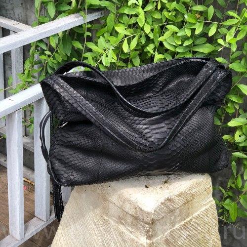 Сумка HOBO из натуральной кожи питона черная