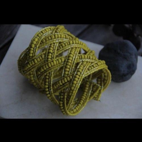 Браслет из бисера широкий косичка желтый