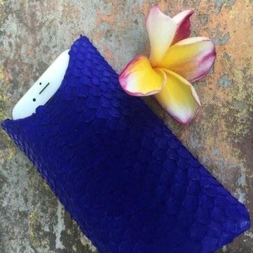 Чехол на Iphone 6 из натуральной кожи питона синий