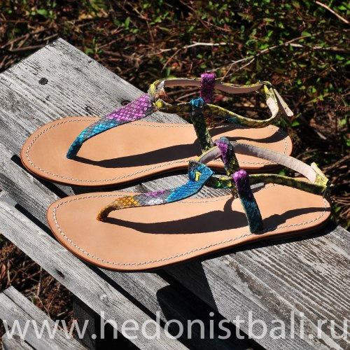 Сандалии из натуральной кожи питона разноцветные