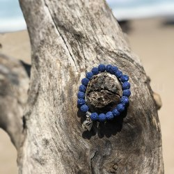"""Браслет из вулканического камня синий с подвеской """"Парус"""""""