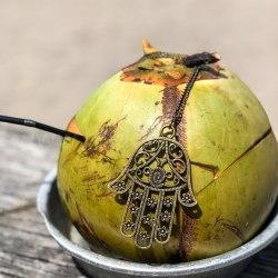 Ожерелье с Хамсой на цепочке, металл, бронзовый цвет