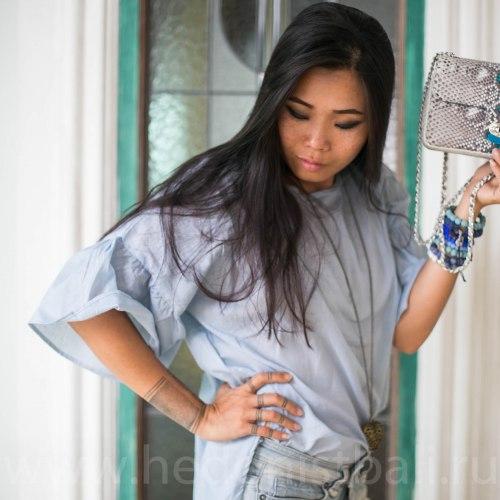 Блузка с объемными рукавами DAHLIA голубая