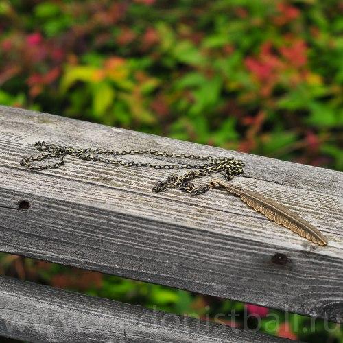 """Ожерелье с подвеской """"Перо"""" на цепочке, металл, бронзовый цвет"""