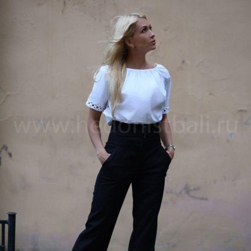 Блузка с вышитыми рукавами MAGNOLIA белая размер M/L