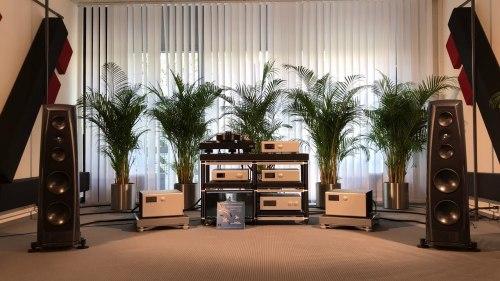 Напольная акустика Rockport Technologies Lyra