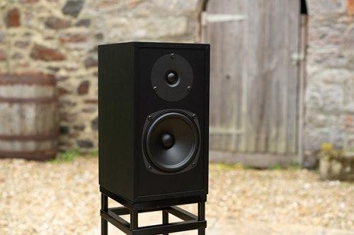 Полочная акустика Graham Audio Swisstone LS3