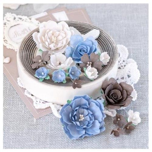 Пионы и розы бежево-синие, Pastel Flowers
