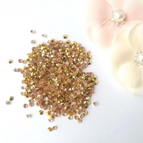 Кристаллы 3 мм, с фольгированной основой, цвет розовое золото