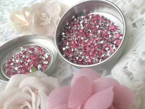Кристаллы 3 мм, с фольгированной основой, цвет нежно-розовый