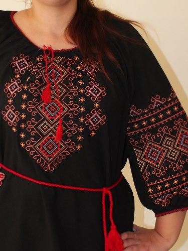 Вышитая блуза Орнамент